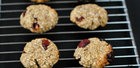 3 Ingredient Healthy Oatmeal  Cookies